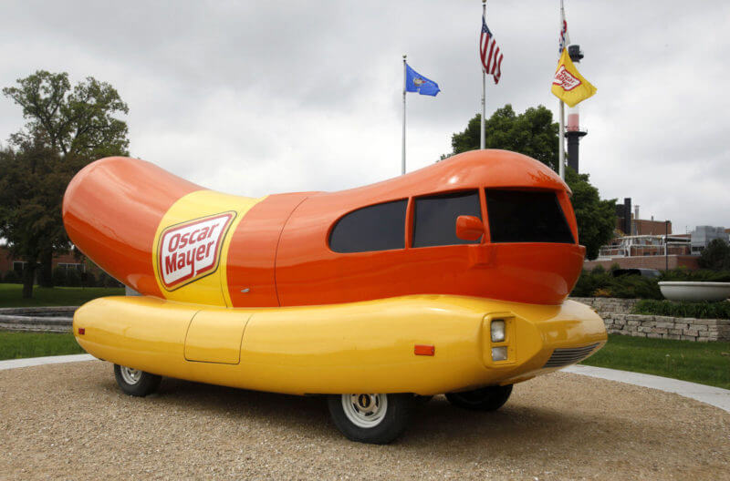 263924740 Story as well travis furthermore Bambi The Dachshund Is Guaranteed To Shine Your Day Awesome besides Chilly Dog Oscar Mayer Wienermobile Hit By St Louis Blizzard moreover Memes. on oscar mayer wienermobile in the snow