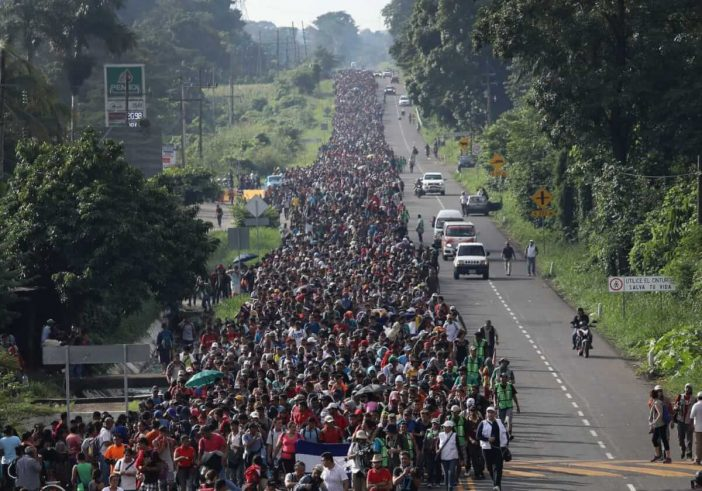 The giant migrant caravan heading to the United States - Bent Corner