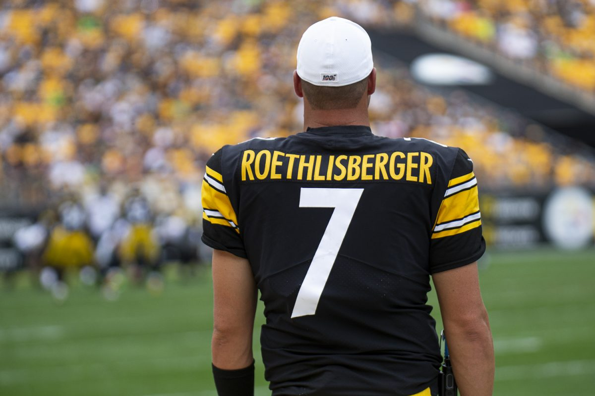 Ben Roethlisberger is out of the season with an elbow injury - Bent Corner