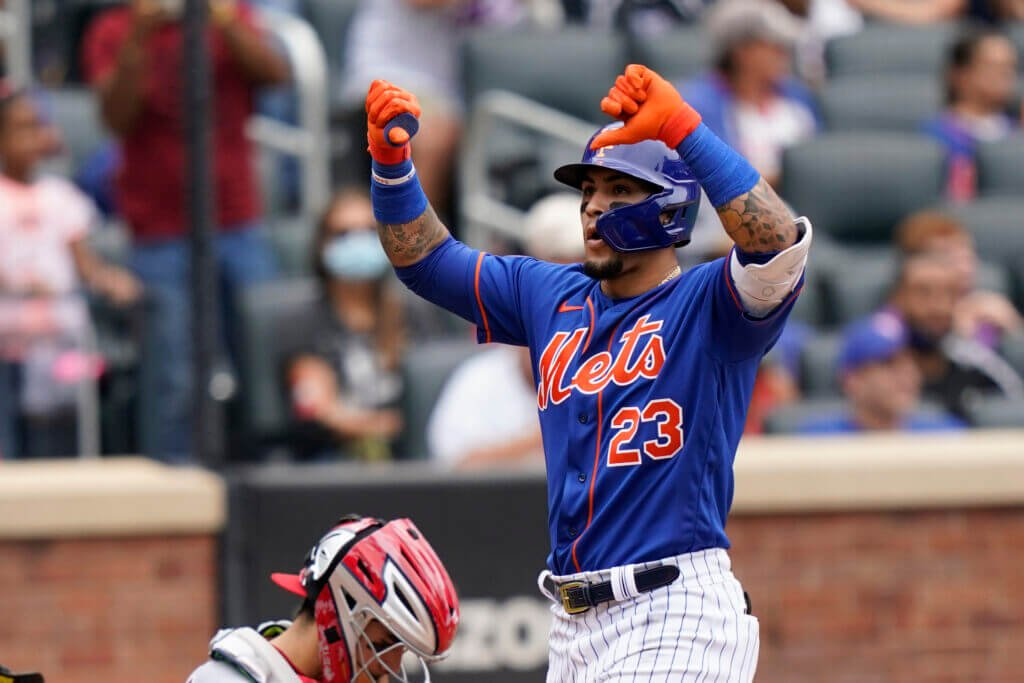 New York Mets players are giving fans the thumbs-down gesture - Bent Corner